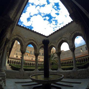 SICILIA –  IL CHIOSTRO di MONREALE